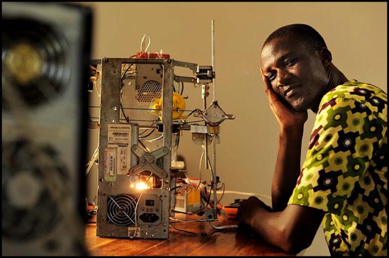 4608587_6_7bdb_w-afate-3d-printer-l-imprimante-3d-qui-recycle_2b0b62986dd5e818b5b22ca47206518b