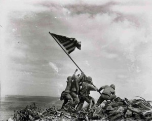Joe Rosenthal (1945) : Raising the Flag on Iwo Jima